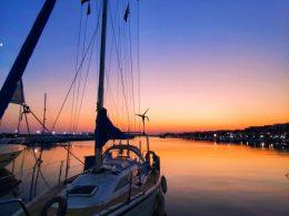 влас - марина - диневи-яхта