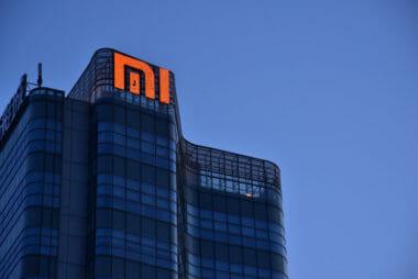 Пазарната капитализация на китайския производител на смартфони Xiaomi, за първи път надхвърли 100 милиарда долара. Акциите на Xiaomi са във възходящ тренд от началото на годината, като през последните 12 месеца, компанията е поскъпнала три пъти.