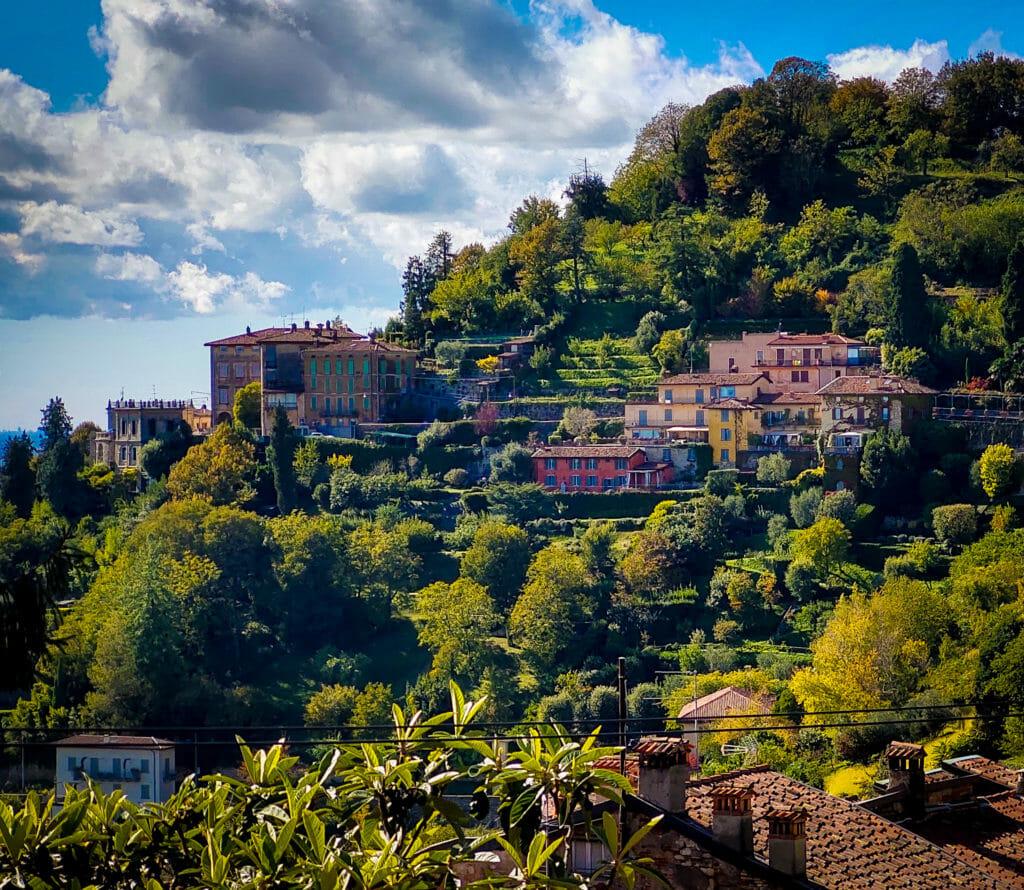 Бергамо, Италия - мобилна фотография на Росен Илиев, заснета с Motorola One Zoom през октомври 2020г.