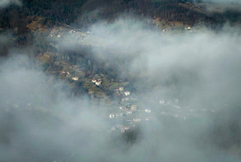 Село Могилица, Смолян - мобилна фотография на Росен Илиев, заснета с Motorola One Zoom през декември 2020г.