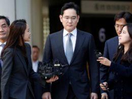 Наследникът на концерна Samsung – Лий Дже-Йонг, оглавяващ компанията от 2014 г., е осъден на 2,5 години затвор от Върховния съд на Южна Корея. Той е обвинен в подкуп, присвояване и укриване на семенни пари на стойност около 8,6 милиарда вона (7,8 милиона долара).