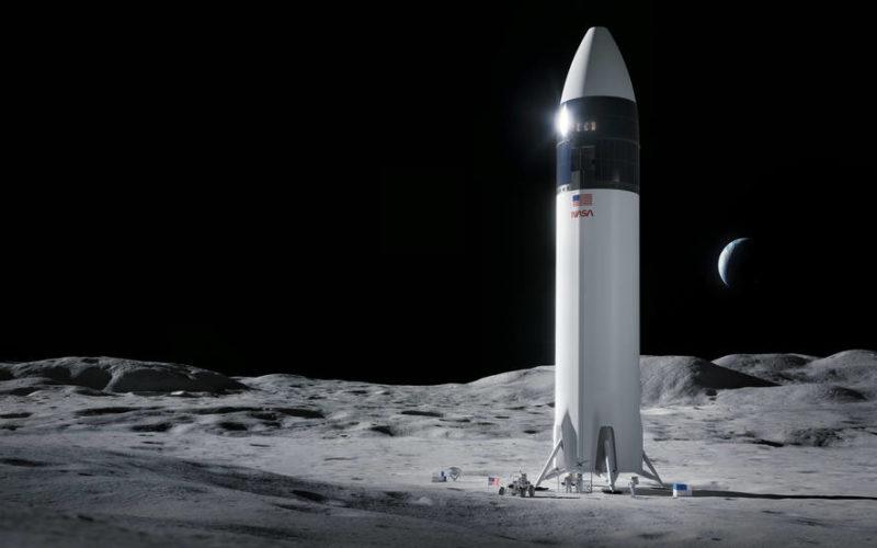 SpaceX -първа-жена-на Луната-НАСА