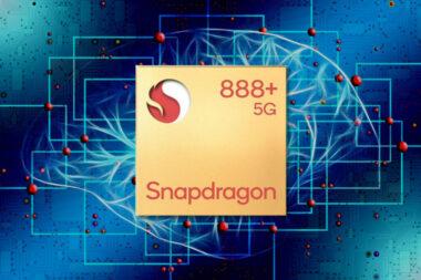 Snapdragon 888+ е овърклокнатата версия на базовата платформа с 3GHz тактова честота на производителното ядро, 20% по ефективен AI engine и 32 TOPS.