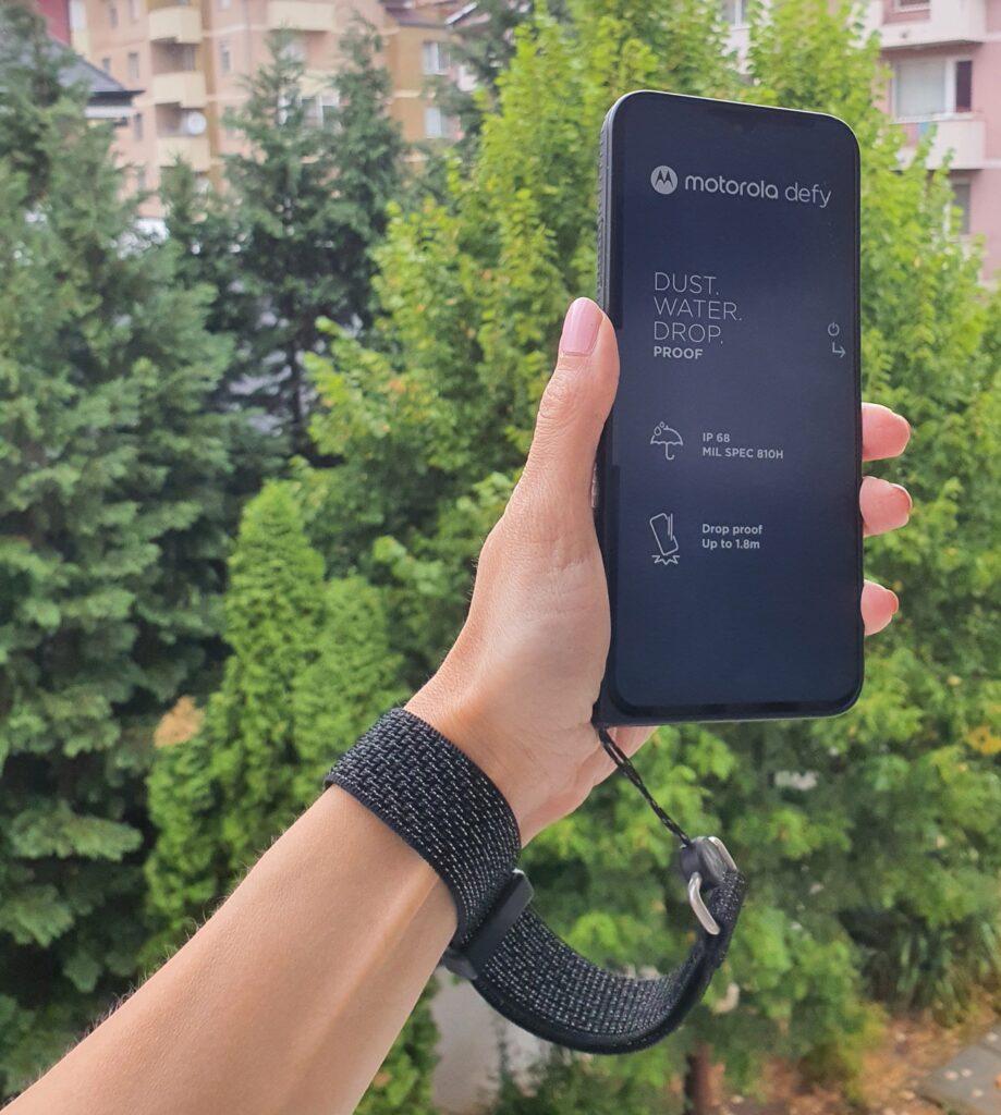 Motorola-Defy-2021-лента